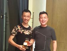 凯发电游亚洲首选联创创始人祁永财先生同格德股份总裁舒洪亮先生合影